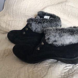 cobbie cuddler Shoes - Cobbie cuddler ankle bootie